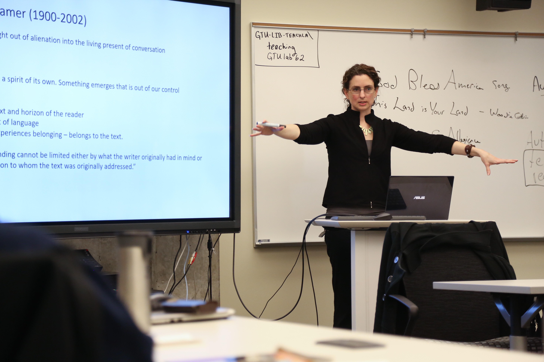 Rebecca Esterson Teaching